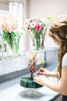 DIY Valentine's Day Floral Tutorial http://www.savannahsoiree.com/journal/valentines-day-floral-tutorial
