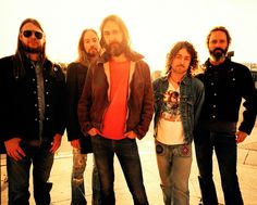 Chris Robinson Interview: http://smashinginterviews.com/interviews/musicians/chris-robinson-interview-the-black-crowes-to-be-honest-became-a-very-tedious-scenario
