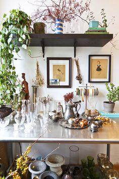Sneak Peek: Best of Indoor Plants. Ariel Dearie's workspace for her New York City flower business is filled with indoor plants. #sneakpeek