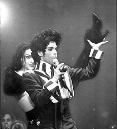 Prince performs at the Civic Auditorium in 1993. Photo: John O'Hara, The Chronicle