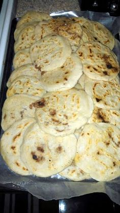 Great recipe for ~Rays Easy Pupusas~. ur welcome guys hope u try! Gourmet Recipes, Mexican Food Recipes, Great Recipes, Cooking Recipes, Favorite Recipes, Healthy Recipes, Masa Recipes, Tortilla Recipes, Dinner Recipes