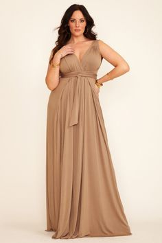 Long dress plus size quality Curvy Girl Fashion, Look Fashion, Plus Size Fashion, Xl Mode, Mode Plus, Dress Plus Size, Plus Size Outfits, Vestidos Plus Size, Plus Size Kleidung