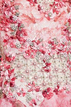 strass, flower, pearls- details Badgley Mischka - New York Fashion Week - Spring 2015 Tambour Beading, Tambour Embroidery, Couture Embroidery, Ribbon Embroidery, Embroidery Fashion, Couture Details, Fashion Details, Fashion Photo, Lesage
