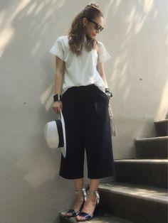画像 : シンプルだけどお洒落。大人女子のモノトーンコーデ♡ - NAVER まとめ