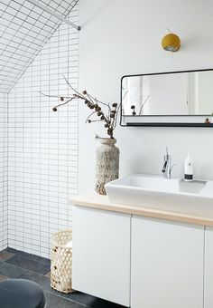 Romantic Home Decor, Gothic Home Decor, Attic Bathroom, Laundry In Bathroom, Bathrooms, Kitchen Decor Themes, Home Decor Kitchen, Doctor House, Interior Design Pictures