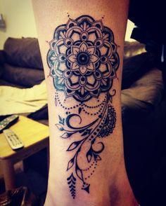 Mandala tattoo. Leg. Women's tattoo
