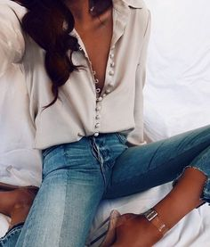 Simple chic business day outfit  #ShopStyle #shopthelook #SpringStyle #WeddingGuestLooks #MyShopStyle #SummerStyle #BirthdayParty #BeachVacation #FestivalLooks #NYFW #BlackTieLooks #WearToWork #WeekendLook #DateNight #GirlsNightOut #OOTD #TravelOutfit