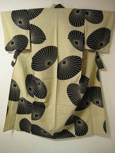 Yukata in black umbrellas