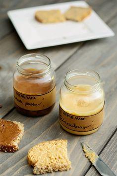 Homemade pindakaas en nutella!  Súper lekker cadeautje en beide binnen 5 minuten klaar.