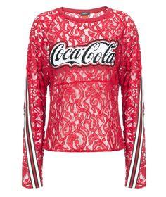 Pinko e Coca Cola: la partnership continua - Dopo aver lavorato insieme alla personalizzazione di lattine e bottiglie di Coca Cola light, Pinko e Coca Cola annunciano uno nuova collaborazione che partirà con la Primavera-Estate 2017. - Read full story here: http://www.fashiontimes.it/2016/12/pinko-coca-cola-partnership-continua/