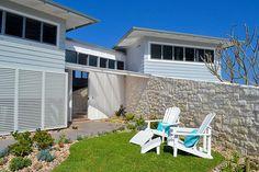 Mesmerizing beach retreat in Australia: Blue Dog Beach House