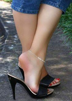 Sexy Heelpopping! #shoeshighheelsbeautiful #hothighheelssexyoutfits #highheelswedge