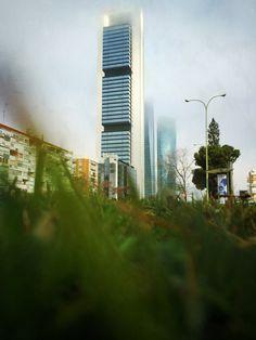 """Día 92: """"los #rascacielos de #Madrid"""" #Proyecto365 días, solo fotos con #Iphone6plus www.miguelonievafotografo.com"""