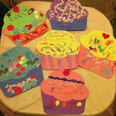 Cupcake and birthday cake craft idea for kids crafts and wor Alphabet Birthday, Preschool Birthday, Birthday Crafts, Toddler Preschool, Toddler Crafts, Preschool Activities, Birthday Cake, Toddler Classroom, Cupcake Crafts