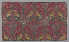 Fragment | Islamic, Spain | 15th century | silk & lampas | Metropolitan Museum of Art