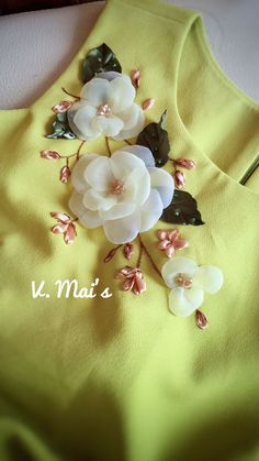 Ribbon Embroidery Flowers by Hand Ribbon Embroider. - Ribbon Embroidery Flowers by Hand Ribbon Embroidery Flowers by Hand G - Ribbon Embroidery Tutorial, Floral Embroidery Patterns, Couture Embroidery, Hand Embroidery Stitches, Embroidery Fashion, Silk Ribbon Embroidery, Hand Embroidery Designs, Embroidery Supplies, Embroidery Kits