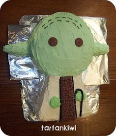 Yoda Cake on Pinterest | Star Wars Cake, R2d2 Cake and 3d Cake ...