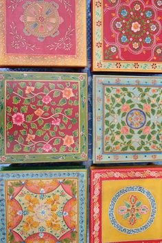 Folkloric handicrafted tables from Rajasthan, India