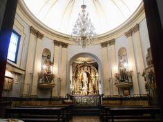 Capilla de San Isidro de Naturales de Madrid, algo posterior al conjunto de la colegiata. Las imágenes originales de San Isidro y de Santa María de la Cabeza han sido trasladadas a la Almudena,