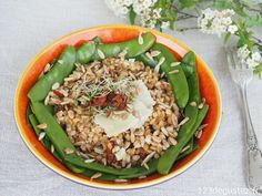 Fried Rice, Cobb Salad, Fries, Ethnic Recipes, Food, Couscous, Recherche Google, Voici, Gluten