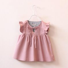 Find More Tees Information about 2016 New Cute Baby Girls Puff Sleeve Ruffles Blouse Vintage Princess Summer Spring Casual Tops,High Quality girls spring fashion,China spring swing Suppliers, Cheap spring fashion girls from Everweekend Clothing Co. Little Dresses, Little Girl Dresses, Girls Dresses, Fashion Kids, Baby Girl Fashion, Spring Fashion, Fashion Shoes, Trendy Fashion, Dress Fashion