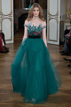 wollymulch:saturdaydreaming:Yulia Yanina Spring 2015 CoutureWow maybe this is the year I really start feeling something about fashion
