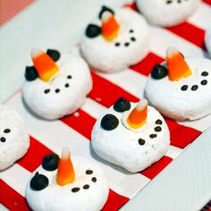 Fantastic Frozen Party Food Ideas, plus printables! Christmas Sweets, Christmas Goodies, Holiday Fun, Christmas Holidays, Christmas Crafts, Christmas Jesus, Holiday Parties, Festive, Frozen Party Food