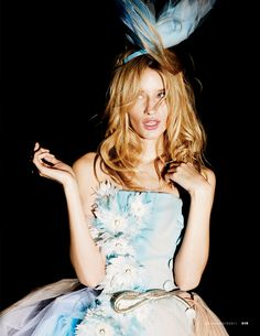'Crazy Couture',Linda VotjovabyMark Pillai,Elle Italia