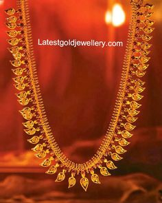 Exclusive Collection of Latest Indian Jewellery designs, Latest Gold Jewellery designs, Gold and Diamond Necklace Designs. Real Gold Jewelry, Gold Jewelry Simple, Indian Jewelry, Indian Necklace, Gold Bangles Design, Gold Jewellery Design, Tanishq Jewellery, Kerala Jewellery, Mango Mala Jewellery