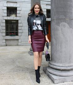 Autumn Elegant and Edgy Outfit - Homage T-Shirt, Leather Skirt and Sock Boots - Sinnamona Burgundy Skirt Outfit, Winter Skirt Outfit, Edgy Outfits, Skirt Outfits, Cute Outfits, Looks Street Style, Street Style Edgy, Faux Leather Skirt, Leather Boots