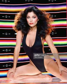 Singer and actress Apollonia Kotero poses for a portrait on January 7 1985 in Los Angeles, California. Apollonia Kotero, Top Models, Female Singers, Up Girl, Beautiful Black Women, Sexy Outfits, Bikini Girls, Pose, Sexy Women