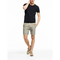 Discover the latest trends in fashion, clothing and accessories. Shop the best outfits for this season at our Official Scotch & Soda webstore. T Shirt Polo, Couture Outfits, Scotch Soda, Patterned Shorts, Neck T Shirt, Latest Fashion Trends, Cool Outfits, Crew Neck, Mens Fashion