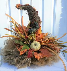 Many people believe that there is a magical formula for home decoration. You do things… Thanksgiving Wreaths, Fall Wreaths, Thanksgiving Decorations, Mesh Wreaths, Centerpiece Table, Rustic Centerpieces, Halloween Centerpieces, Corn Stalk Decor, Fall Floral Arrangements