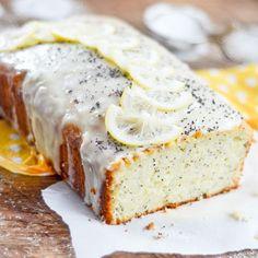 Pain au Citron, Yogourt et Graines de Pavot Dessert Simple, Gateau Cake, Easy Desserts, Bread Recipes, Biscuits, Banana Bread, Breakfast Recipes, Deserts, Food Porn