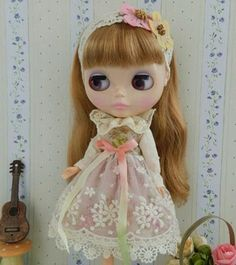 1 : 6 Scale Blythe Clothes, Licca , Azone S Licca Sweet Lace Dress | Doll Apparel | Doll Fashion | Doll Dress Blythe Lace Dress. Handmade with cotton fabric and lace. 1 set : Dress + hair accessories