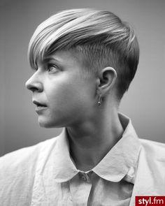 Irokez damski włosy: Fryzury Krótkie Na co dzień Proste Irokez damski Blond - Roki Balboa - 2165054