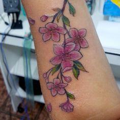 """18 curtidas, 6 comentários - Rodrigo Nagon (@rodrigonagon) no Instagram: """"Tattoo de hoje na cherry!!! #sakura #tattoo"""""""