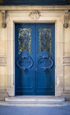 Louvre door, Paris. Blue door, architechture, steps, details, ornaments, beauty, beautiful, photo