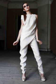 ▷ 1001 + Ideen für Jumpsuit Hochzeit - erscheinen Sie in gutem Stil - Fashion Trends 2020 Modadiaria 每日时尚趋势 2020 时尚 Fashion Details, Look Fashion, Fashion Show, Girl Fashion, Trendy Fashion, Fashion Women, Crazy Fashion, Vintage Fashion, Womens Fashion Casual Summer