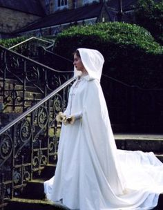 Bridal Shawls, Wedding Wraps and Capes for Autumn to Spring Brides