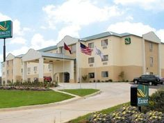 Pearl (MS) Quality Inn and Suites Jackson Intl Airport Pearl United States, North America Quality Inn and Suites Jackson Intl Airport Pearl is a popular choice amongst travelers in Pearl (MS), whether exploring or just passing through. Both business travelers and tourists can enjoy the hotel's facilities and services. To be found at the hotel are Wi-Fi in public areas, car park. Guestrooms are fitted with all the amenities you need for a good night's sleep. In some of the room...
