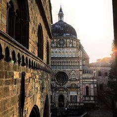 """Bergamo upper city"" #callme_blest #bergamo #bergamoalta #duomo #duomodibergamo #light #tramonto #sunset #italy #berghem #photographer #photo #instadaily #picoftheday #igersbergamo #igerslombardia #middleage"