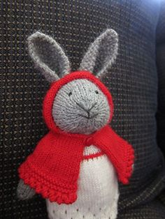 This cape is designed to fit a toy bunny made from the 'Bunny Girl' pattern by Julie Williams (little cotton rabbits ).