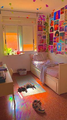 Indie Bedroom, Indie Room Decor, Cute Bedroom Decor, Room Design Bedroom, Room Ideas Bedroom, Bedroom Inspo, Neon Room, Retro Room, Cozy Room