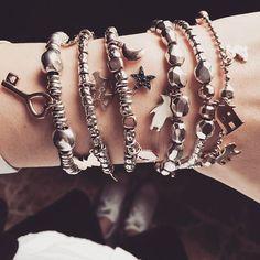 Instagram Dodo Jewelry, Jewelry Wall, I Love Jewelry, Jewelry Crafts, Jewelry Making, Dodo Pomellato, Silver Bracelets, Bangles, Tiffany T