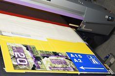 De 2 eerste opdrachten zijn gemaakt met onze nieuwe printer, voor de firma's Van den Berg uit Est en Frupaks uit Deil hebben wij een aantal mooie sandwich panelen gemaakt.