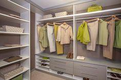 http://www.closetfactory.com/custom-closets/closet-organizer-galleries/walk-in-closets/?imgid=9610