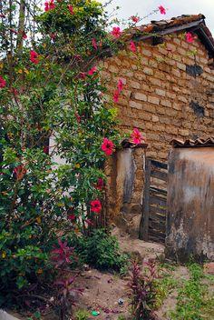 Bahia.. puerta hecha con tablones de madera