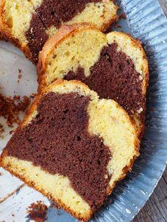 marmorkake Norwegian Food, Norwegian Recipes, European Cuisine, Marble Cake, Cakes And More, Let Them Eat Cake, Cornbread, Baked Goods, Banana Bread