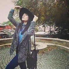 December 🍂⛄🍁 #rome #december #velvetsky #atmosphere #trees #outfit #hm #bohohat #tallyweijl #coat #indiestyle #pimkie #denimshirt #pimkiebag #folk #tallyweijlnecklace #glam #seventies #federicacerruti #faithcoco #pinterest #newblog #followme